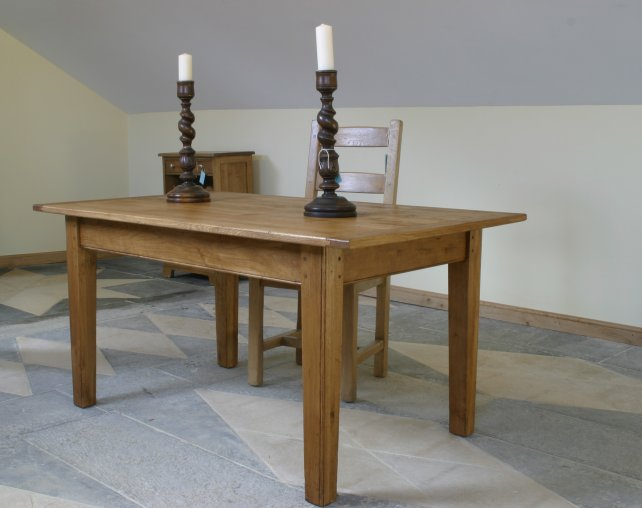 farmhouse table with tapered legs
