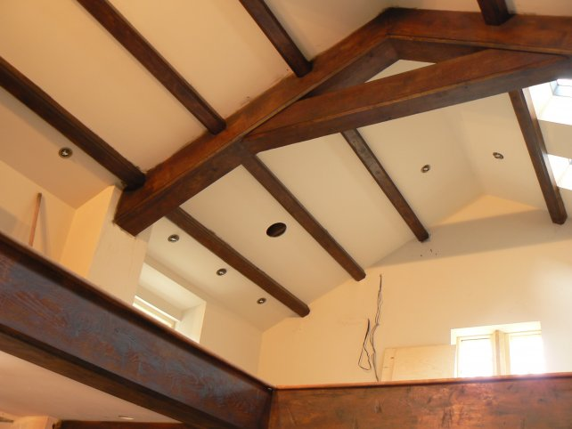 oak beams to vaulted ceiling